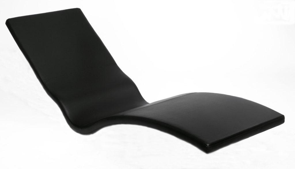 Perfekt in Form und Komfort. Die Einzelliege WELLNESS DE LUXE ist die luxuriöse Variante von schwebeliege.at für wunderbare Stunden der Entspannung.