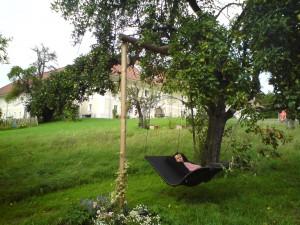 Schwebeliege-Heaven-Swing-Doppelliege-Mocca-Waldbothgut