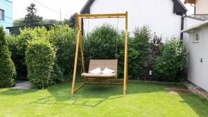 Schwebeliege Twist und Gestell Jakarta Bamboo bei Mizera